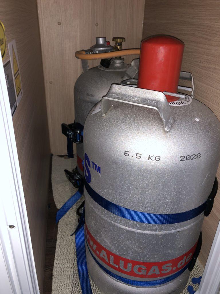 Alu Gasflaschen im Wohnmobil 2