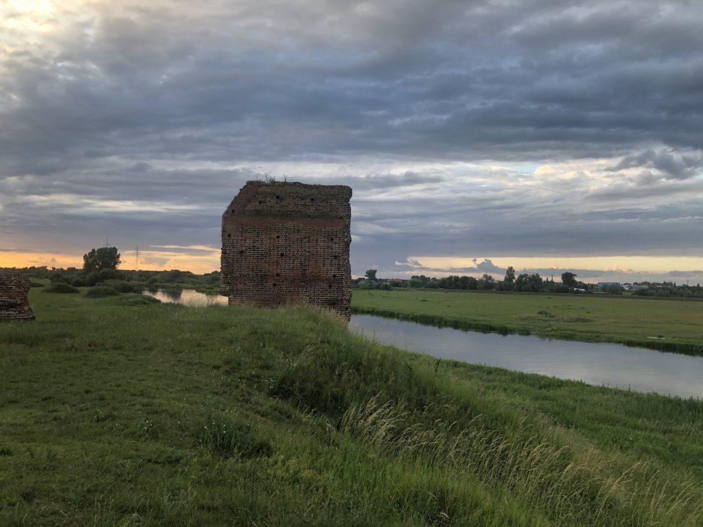 Polen Wohnmobil Ruine